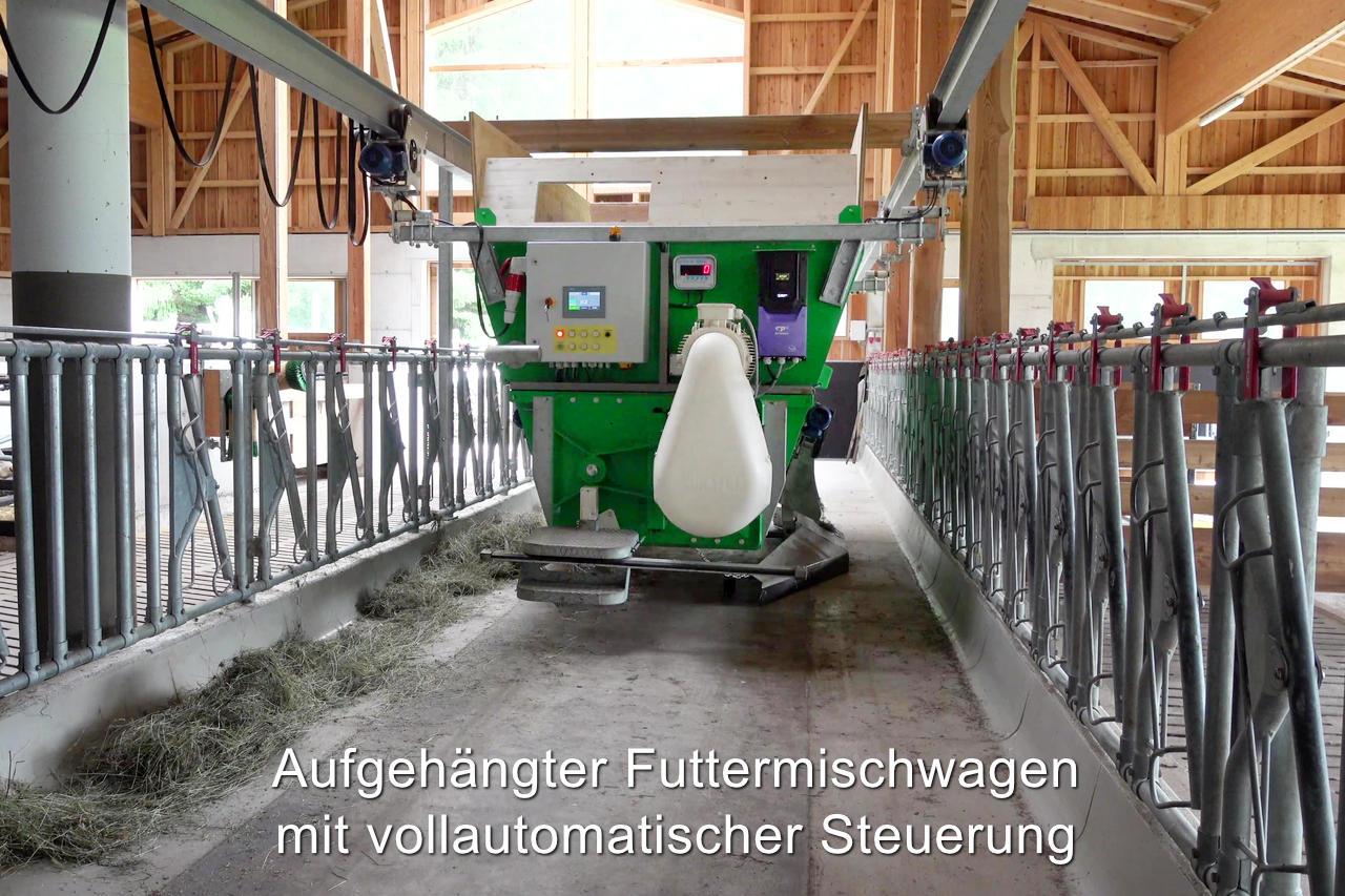 futtermischwagen-aufgeaengt-slider.jpg
